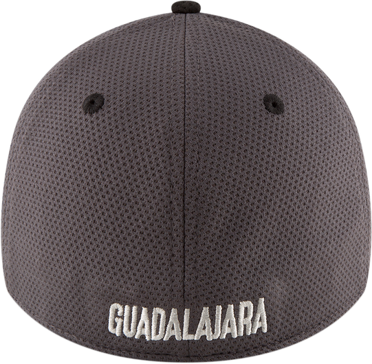 El Rebaño de Guadalajara y New Era se lucieron con la nueva colección de  gorras. df7a52781dd