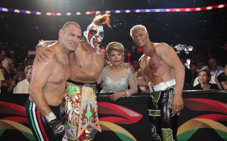 Triplemanía 27: Caín Velásquez debutó en lucha libre AAA y se lució - Mediotiempo
