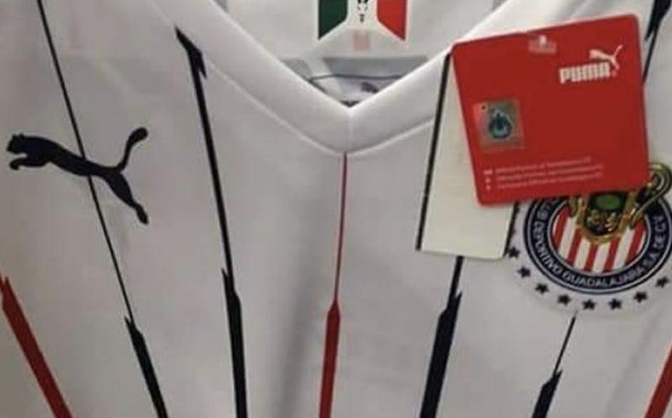 11c3d30c4 Filtran posible jersey de Chivas para el Apertura 2018 - Mediotiempo