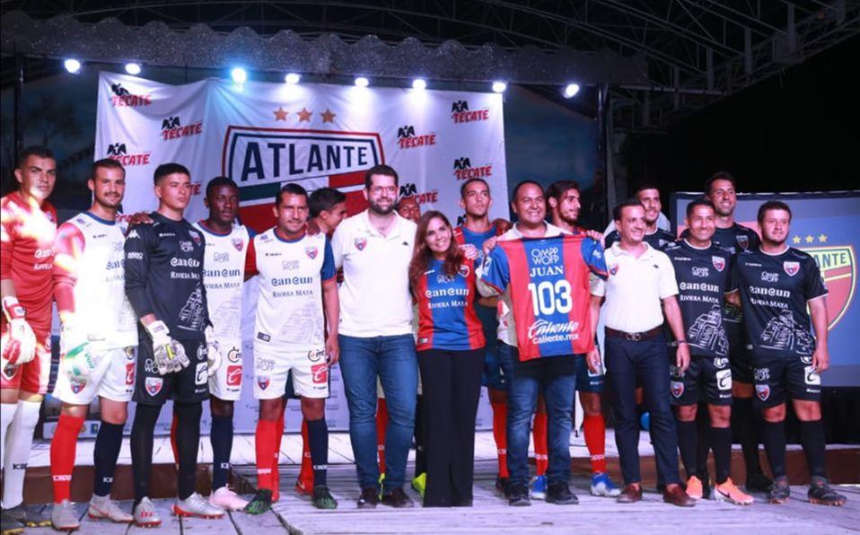 0d4174e5f8d Atlante presentó nuevo uniforme, escudo y propietarios - Mediotiempo