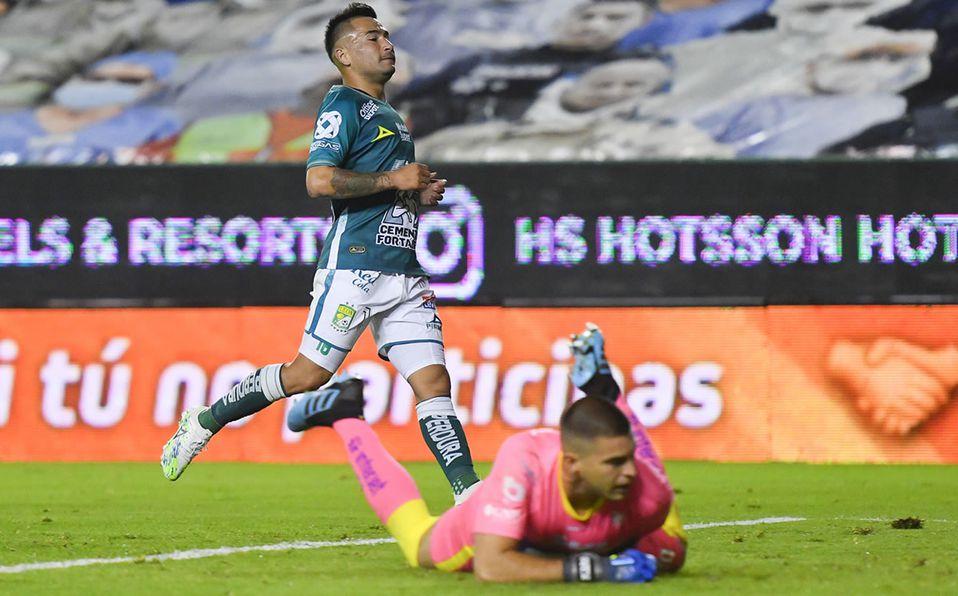 Leon Vs Pumas 2 0 La Fiera Le Quito El Invicto A Los Universitarios Mediotiempo