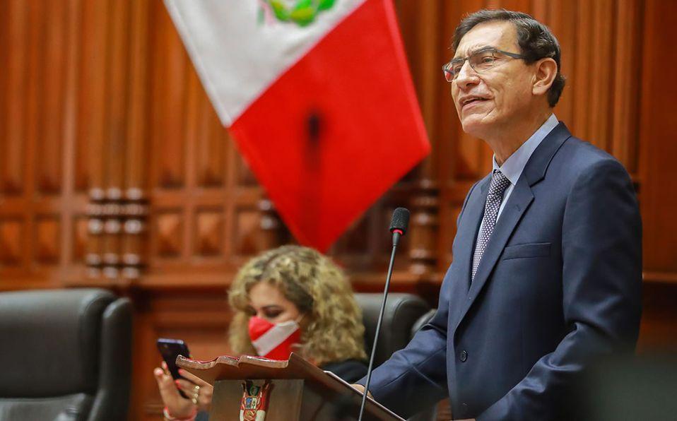 Perú destituye al presidente Martín Vizcarra, acusado de corrupción -  Mediotiempo