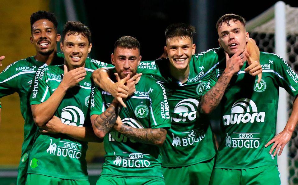 Chapecoense regresa a la primera división de Brasil tras un año en la Serie B