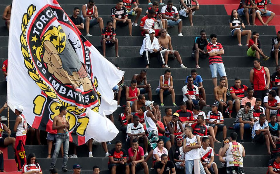 Clásico de la Paz en Brasil termina en golpiza y con 10 rojas 4b337b0f4a9