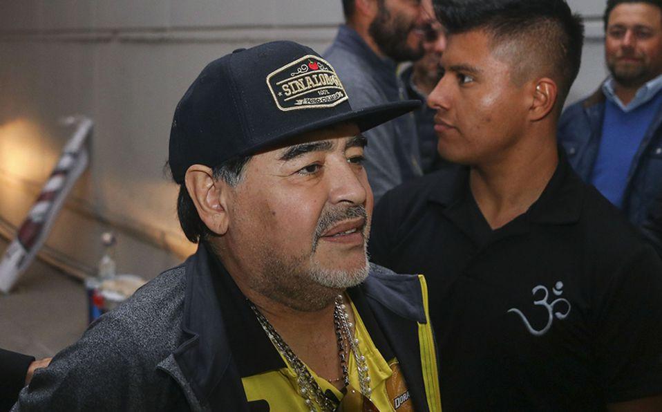 8ca6becaa42ba Nápoles fue su última alegría  Maradona acumula 28 años sin alzar un ...
