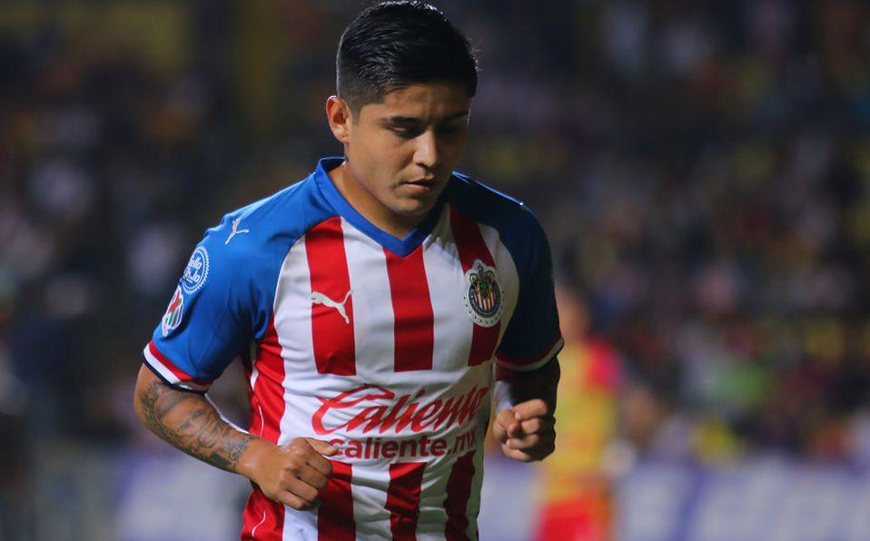 Chivas: Chofis López visita a niña recién operada del corazón ...