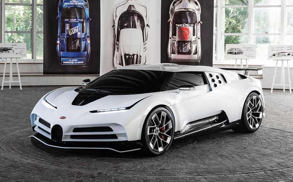 El carro será pintado de blanco y negro.  (Google uso libre)