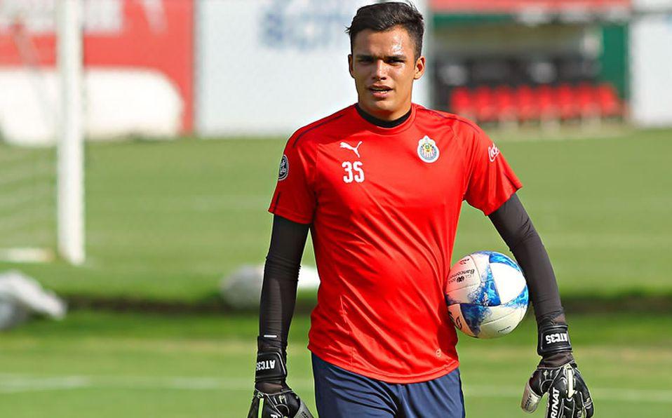 Chivas podría debutar en la Liga a su tercer portero - Mediotiempo